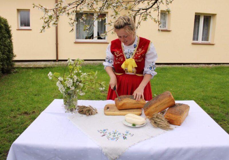 2 1 1024x683 800x560 Pokaz wypieku chleba