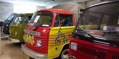 Największe muzeum samochodowe tejmarki wPolsce iEuropie. Toprywatne muzeum , wktórejwskład wchodzi ponad 50 pojazdów. Odległość: 35 km